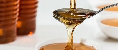 10 spôsobov, ako využiť liečivých účinkov medu