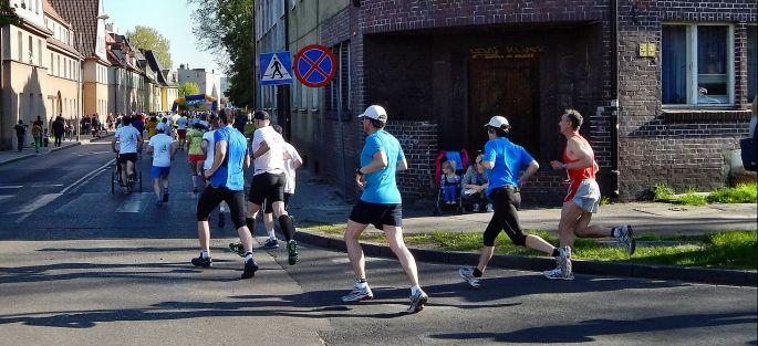 Bežci na mestskom maratóne