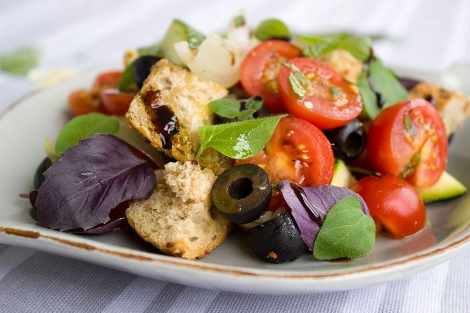 salat s olivovym olejom