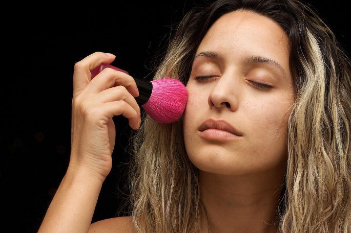 Nanášanie make-upu