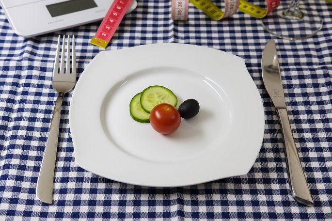 Prísna diéta - prázdny tanier